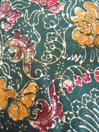 geen batik tunic fabric detail