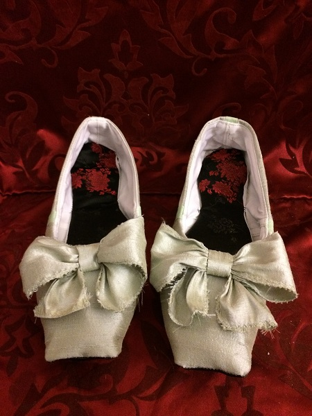 Reproduction Regency Ice Green Dance Slippers Front