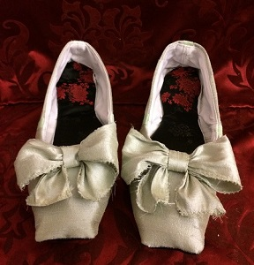 Reproduction Regency Ice Green Dance Slippers.