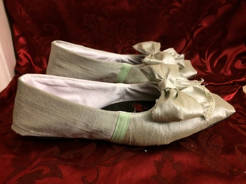 Reproduction Regency Ice Green Dance Slippers Right